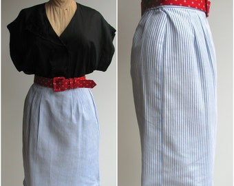 Vintage Pencil Skirt / High Waisted Striped Skirt / size 6 to 8P