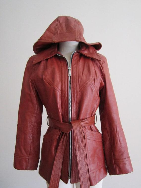 Vintage 1970's burgundy womens leather hooded jacket  M