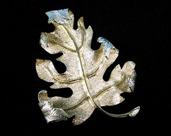 Vintage Sarah Coventry Windfall Turning Leaf Brooch 1960's
