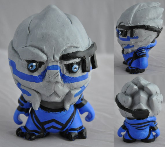 Garrus Vakarian munny figure