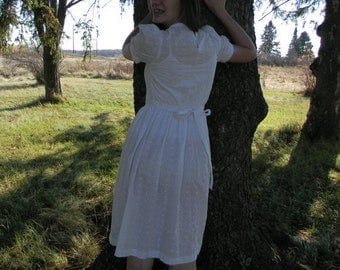 1970's Vintage Eber White Cotton Eyelet Dress Size 5