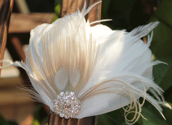 Bridal Fascinator Clip, Wedding Head Pieces, Feather Accessory with White Diamond Jewel, Peacock Hair Fascinator