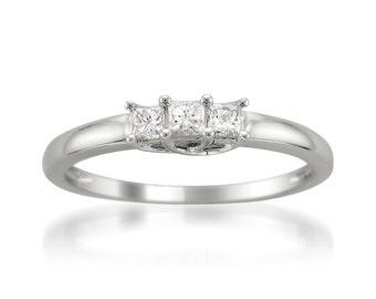 14k White Gold Princess-cut 3-Stone Diamond Engagement Wedding Ring (1/4 cttw, H-I, I1-I2)