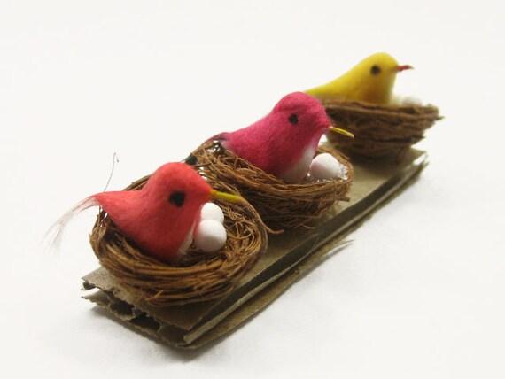 Doll House Miniature Handmade Artificial Bird In Straw Nest Garden Decor - 6884
