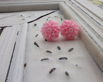 Bubblegum Pink Mum Earrings