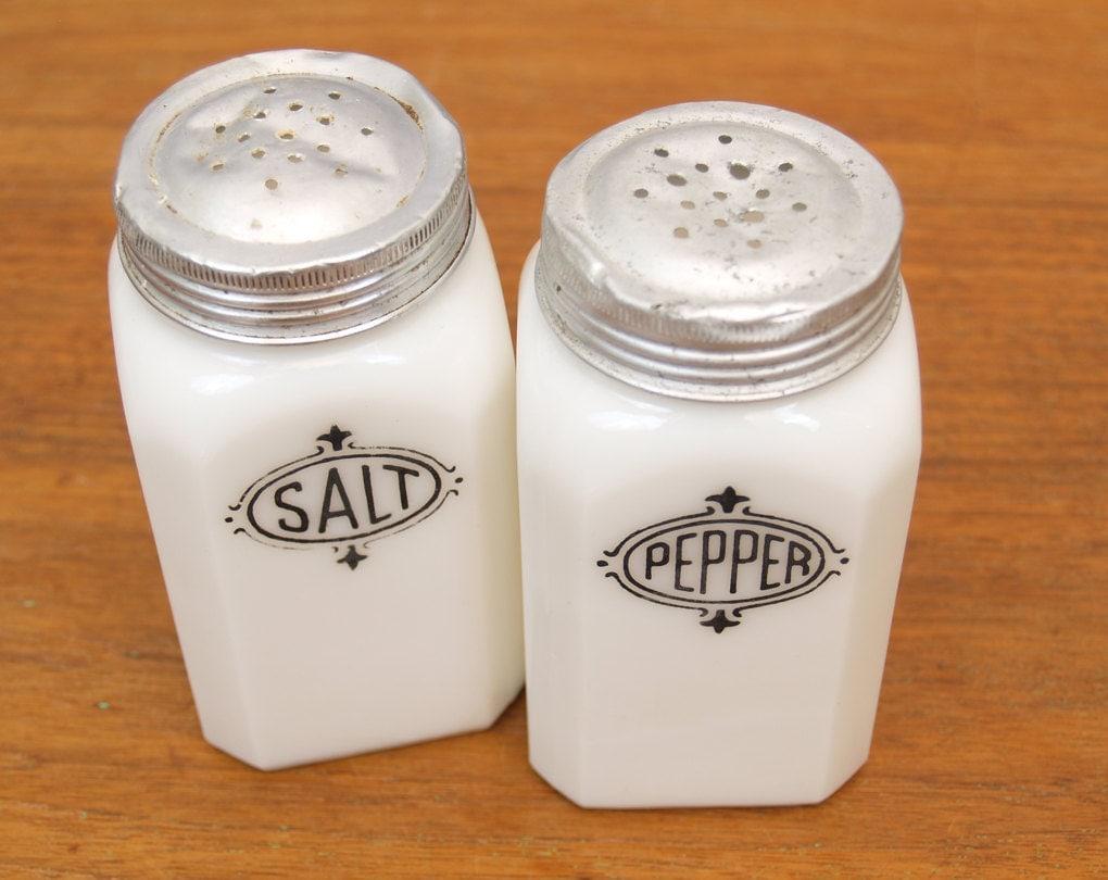 vintage milk glass salt and pepper shakers. Black Bedroom Furniture Sets. Home Design Ideas