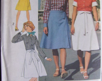 1970s Vintage  Pattern  Simplicity  7331  Misses'  Size 12 Shirt and Wrap Skirt