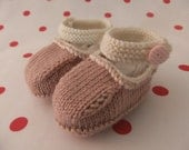 Hand knitted powder pink and cream MaryJane baby shoes   03 36 and 69 months
