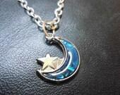 Vintage Silver Tone Moon Necklace