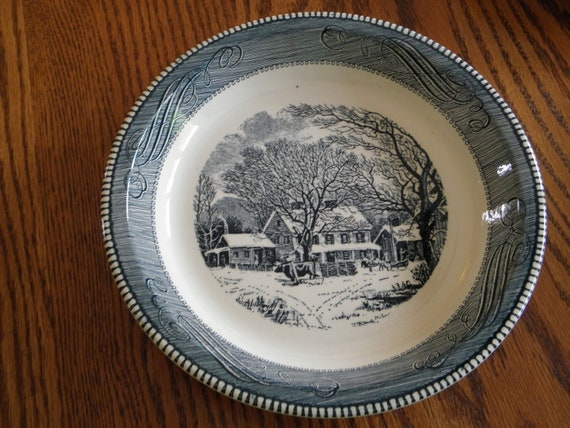 Royal China Pie Plate Cuier and Ives Blue