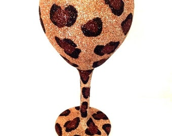 Full glitter cheetah wine glass