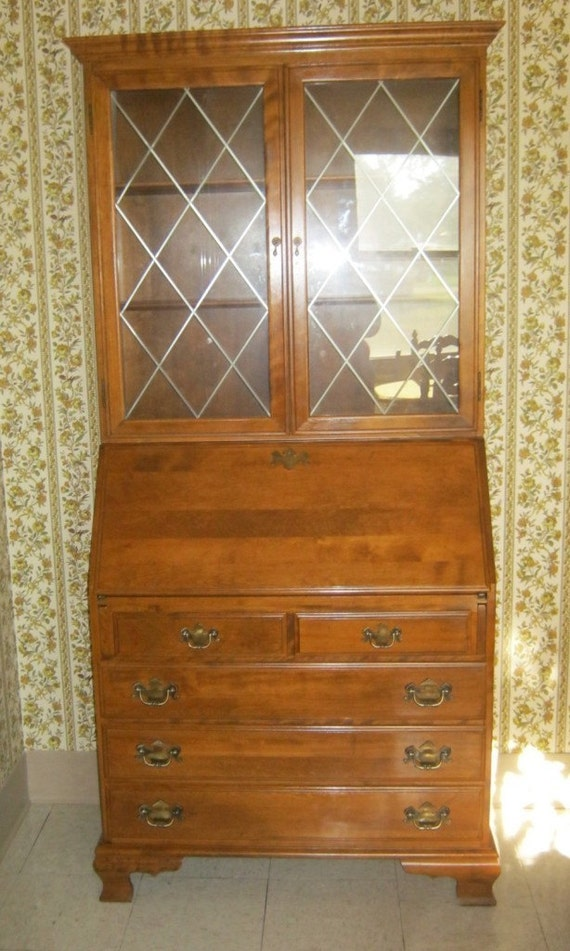 Items Similar To Ethan Allen Heirloom Collection Maple