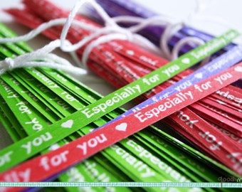 Gift Wrap Especially For You Paper Twist Ties // Your Choice of Color - Green, Red, Purple // Heart, Love // Set of 50