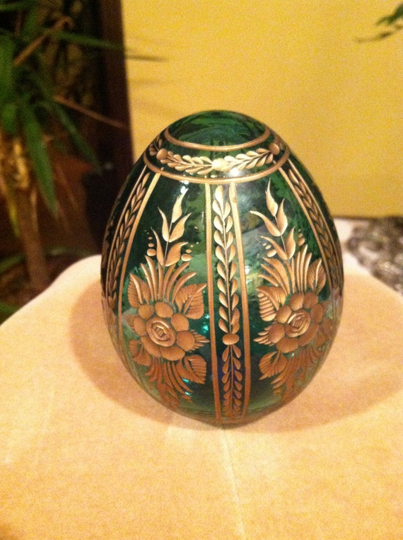 Authentic Faberge Emerald 18k Crystal Etched Egg Impeccably