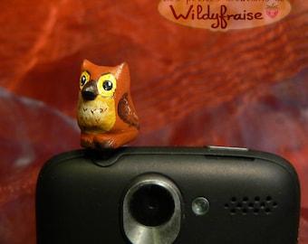 Little owl - smartphone dust plug - iphone Earphone Plug - handmade