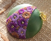 Polymer Clay -Flowers in Moss Green - Cherrychestnuts
