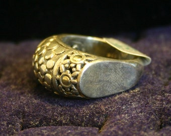 silver ring, size 8, unique