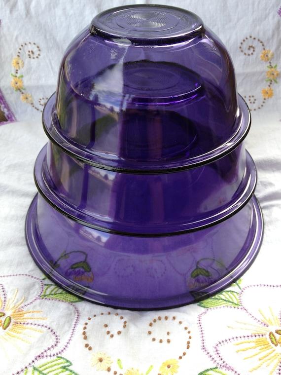 Vintage Pretty Purple Pyrex Nesting Bowls