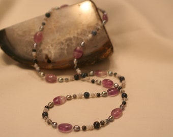 Amethyst, Sodalite, and Pearl necklace (1011)