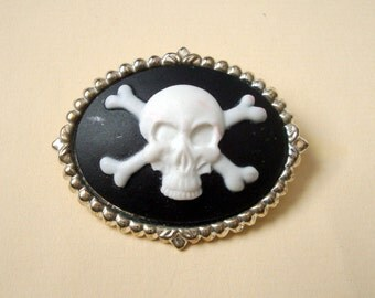 Pirate brooch Skull and crossbones cameo pin silver setting