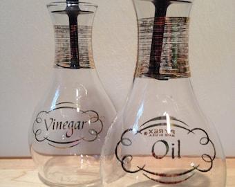Pyrex oil and vinegar glass cruet set