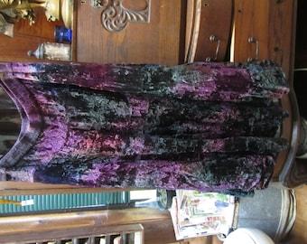 goth,hippie vampire, steampunk crinkled velvet skirt waist 34 inches. 1980's