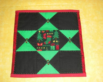 Black and green Star : 100% Hand sewn patchwork quilted wall hanging