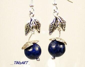 Silver earrings with lapis lazuli bead flower