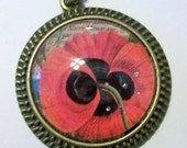 Vintage styleantiqued cabochon setting pendant with photo