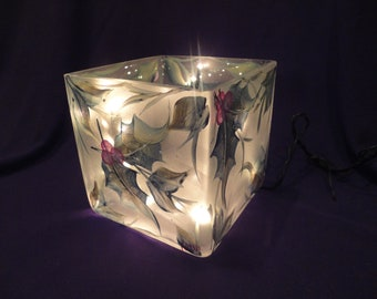 """4x4"""" Lighted Hand Painted Glass Cube/Lamp Holly and Berries"""