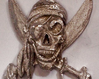 Pirates Skull and Crossbones Sword and Pistol               3 out of 6  hand carved  New Design