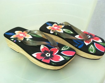 GETA SANDALS 90's Oriental Black & Red Floral Faux Bois SIZE 8 Wedge Sandals-Flip Flops Thongs Platform Shoes Never Worn