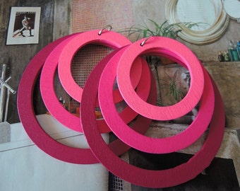 Two sets fuchsia  Round ring  wooden charm/pendant (W211)