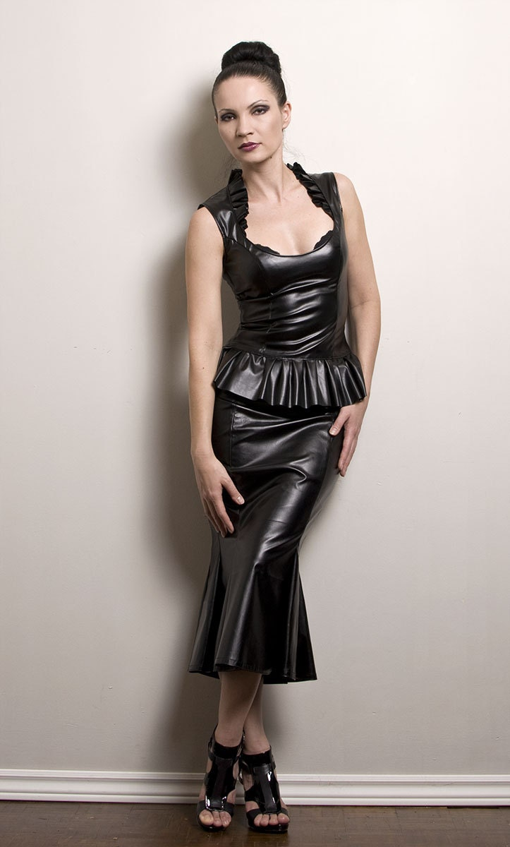 hobble skirt in faux leather or pvc