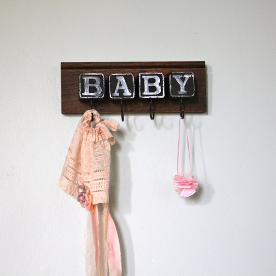 Graphic type Baby Block Rack room sign