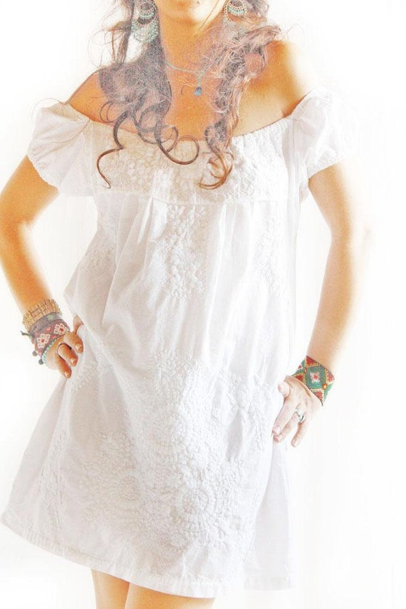 De Blanco beautiful Mexican embroidered white dress
