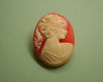Large Red Victorian Lady Cameo Brooch