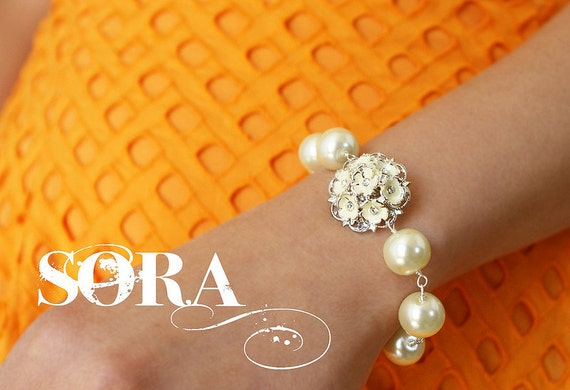 Bridal bracelet, wedding jewelry enamel Hydrangea chunky pearl bracelet, clustered flowers rhinestone bridal pearl bracelet