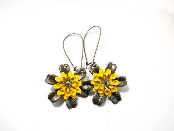 Flower Dangle Earrings, Yellow Enamel Flower, Antiqued Brass, Summer Fashion, Rustic Jewelry