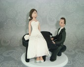 Bride & Groom with a Piano Personalized Wedding Cake Topper