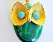 Vintage Owl Necklace Pendant Green Jade Gold Tone Chain