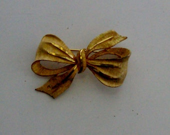 Goldtone Bow Brooch by BSK