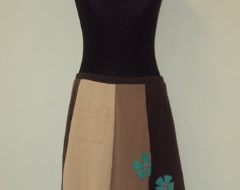 T-Skirt Upcycled, recycled, appliqué brown t-shirt skirt with flowers