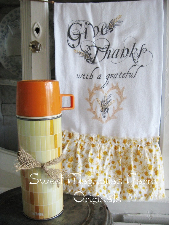 """Flour Sack Kitchen Towel .""""Give Thanks """" Fall - Autumn - Saying...for your Home, Farmhouse or Cottage"""