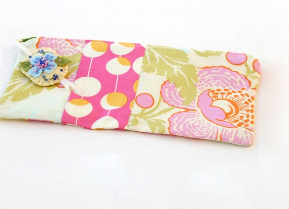 Zipper Pouch, Pencil Case, or Makeup Bag - Fresh Poppies in Ivory and Pink with Handmade Felt Floral Zipper Pull