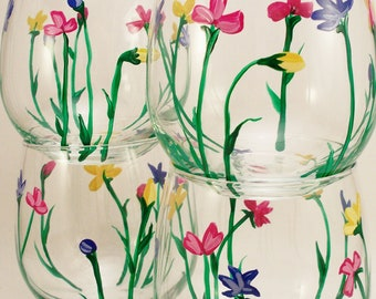 Wild Flowers, hand painted stemless wine glasses - painted glasses with wild flowers - set of 4