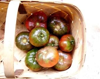 Black Krim Tomato // organic vegetable seeds // heirloom seeds from our farm // vegetable garden // organic vegetable gardening