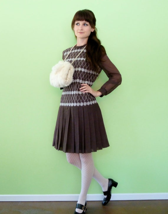 Vintage 60s Mod Scooter Dress Brown White Contrast Stitch Floral Pinwheel Embroidery Drop Waist Pleated Skirt Poet Sleeve S/M