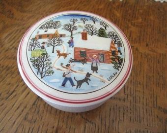 Villeroy & Boch DESIGN NAIF CHRISTMAS Porcelain Candy Box LaPlau Lidded Trinket Dress Box