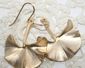 Gift, Gifts for Her, Ginkgo Leaf Earrings, Golden Ginkgo Earrings, Art Nouveau Jewelry, Natural Leaf Jewellery, Nature Lover Gift to Wife